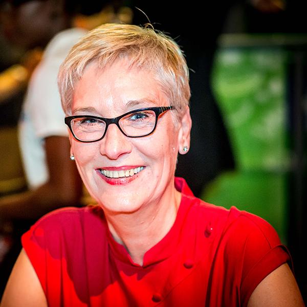 Bettina Peters